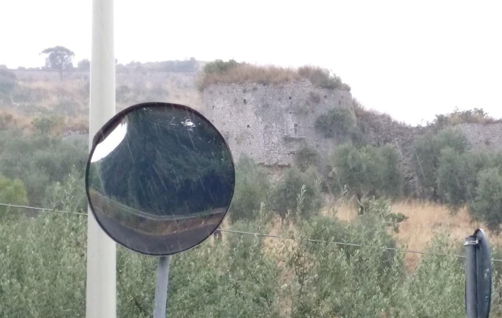 テッラチーナで雨宿り