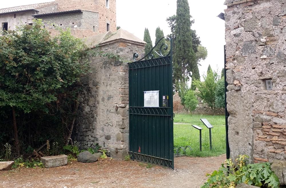 クインティーリ荘の入り口