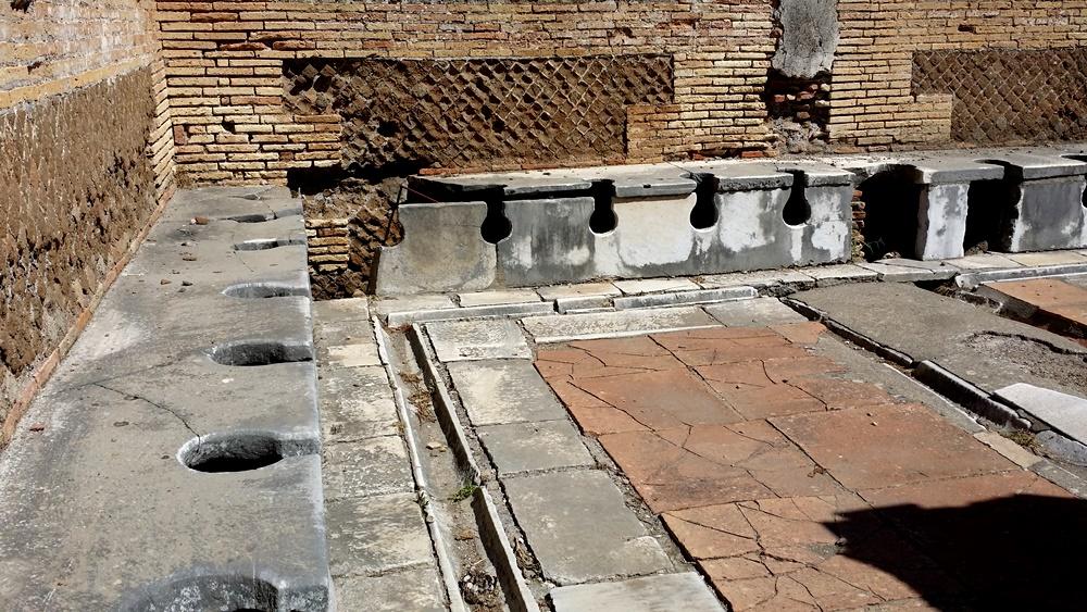 オスティア・アンティカのトイレ