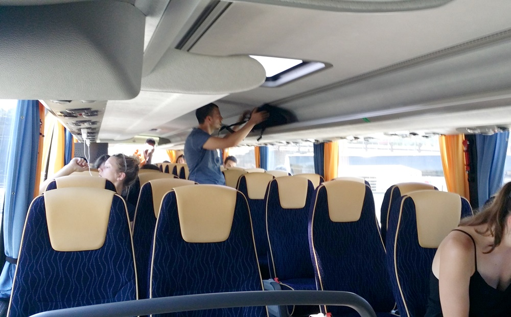 フリックスバスの車内
