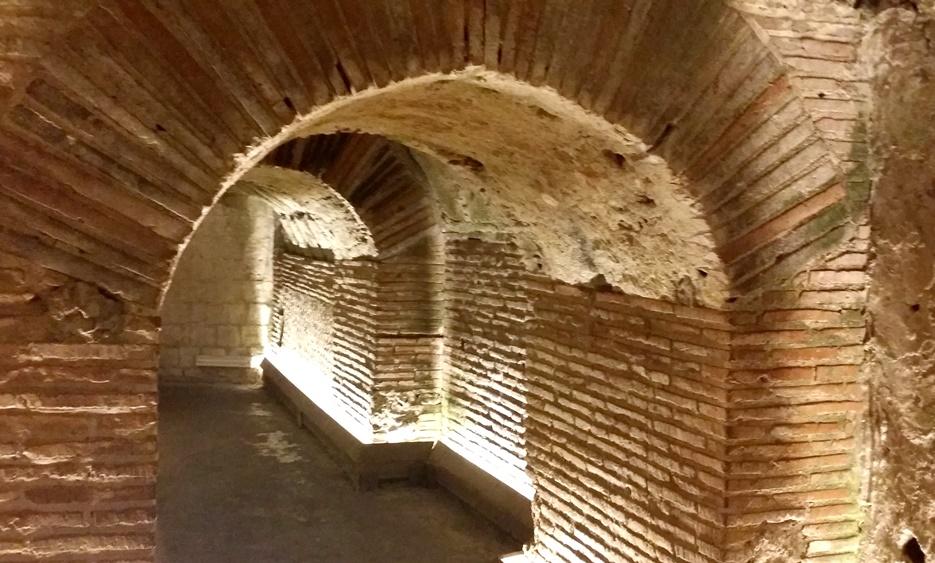 民家の地下の古代ローマ遺跡