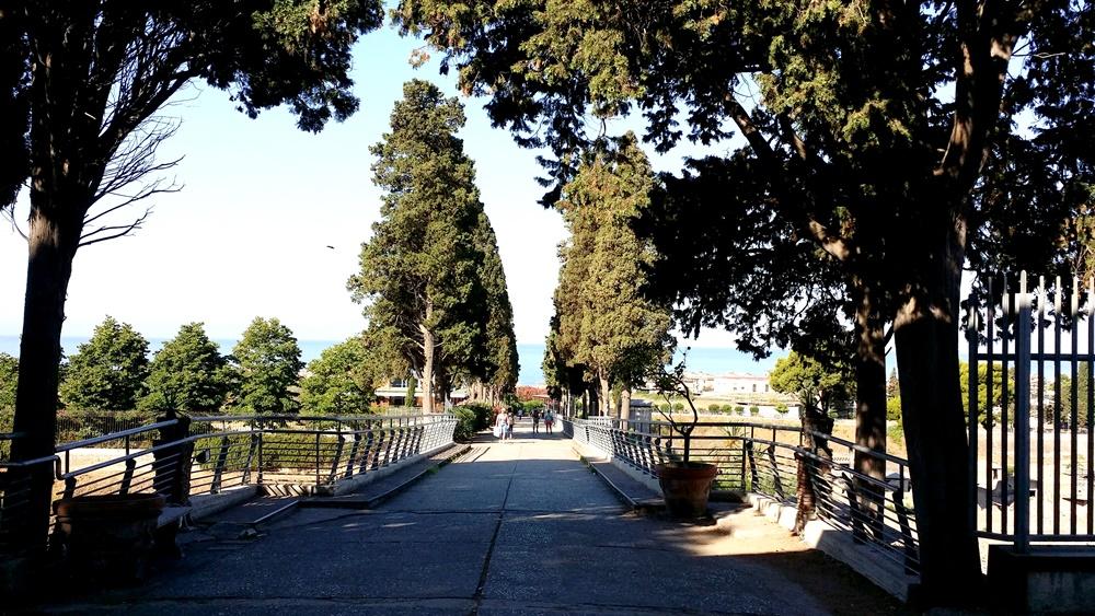 エルコラーノ遺跡への入り口