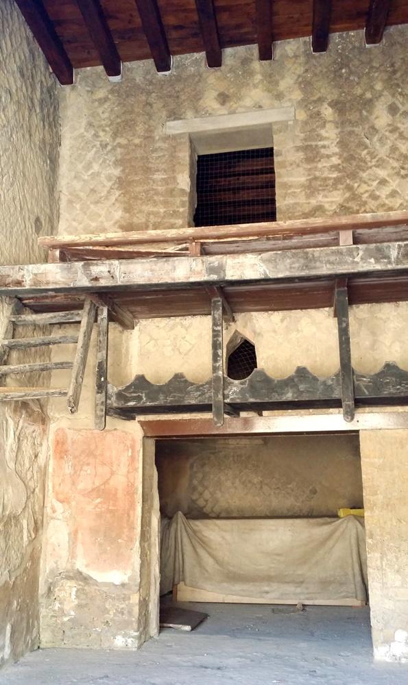 エルコラーノ遺跡の二階建ての家
