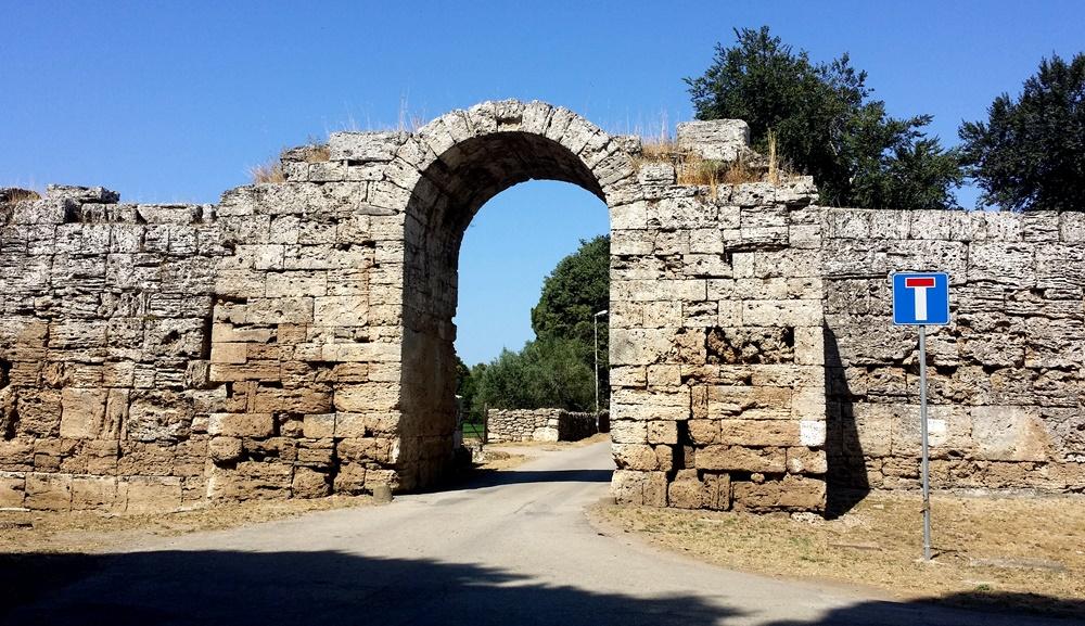 パエストゥムへの門