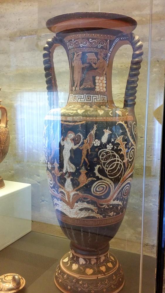 パエストゥムの壺