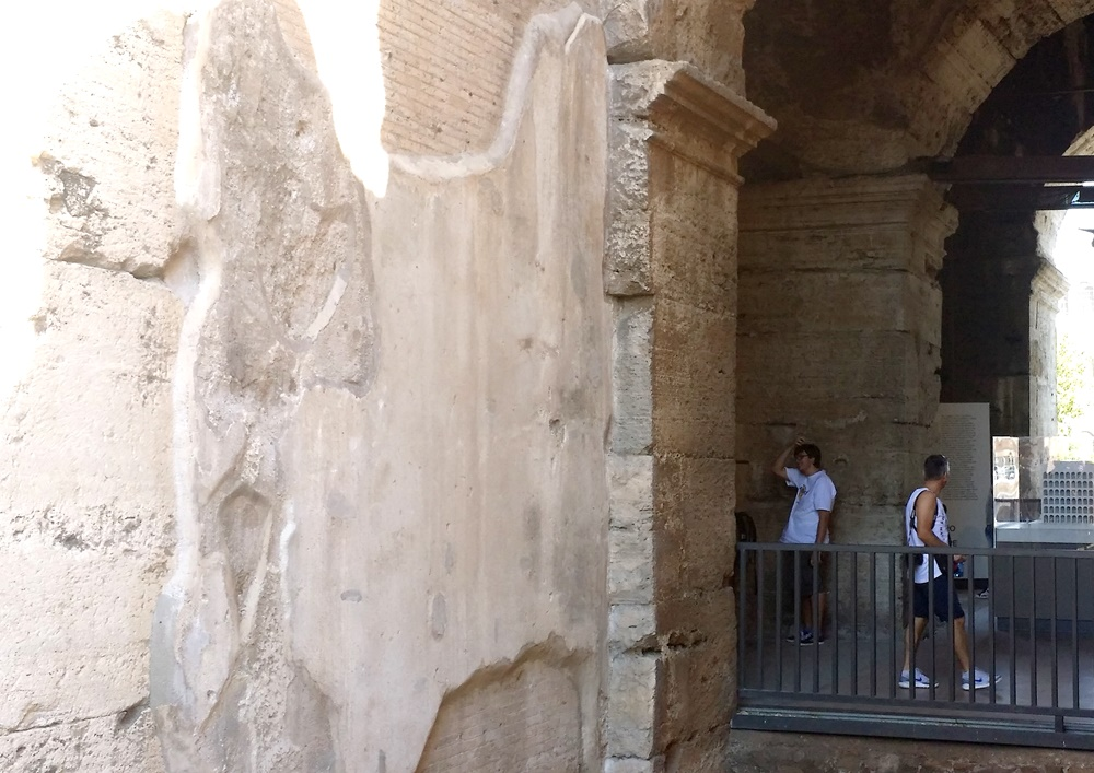 コロッセオの壁