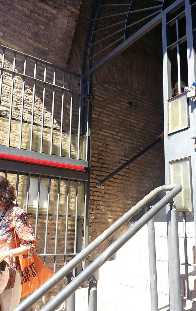 コロッセオの3階へ