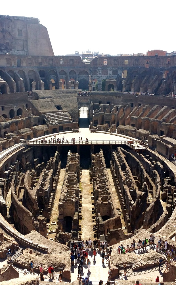 コロッセオ最上階のテラス