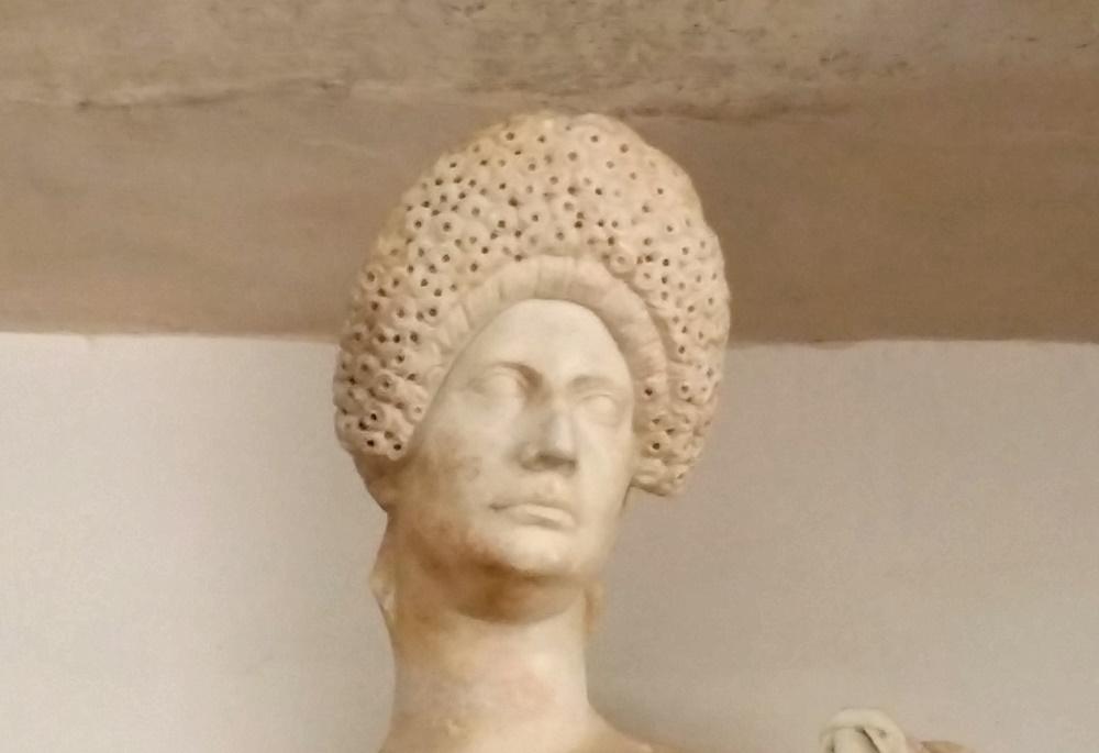 トライポフォビア像