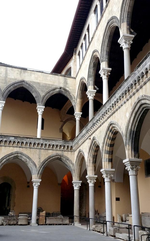 タルクィニア考古学博物館内部