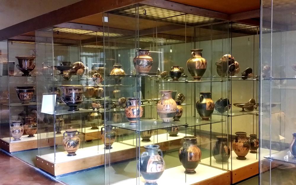 タルクィニア考古学博物館の壺