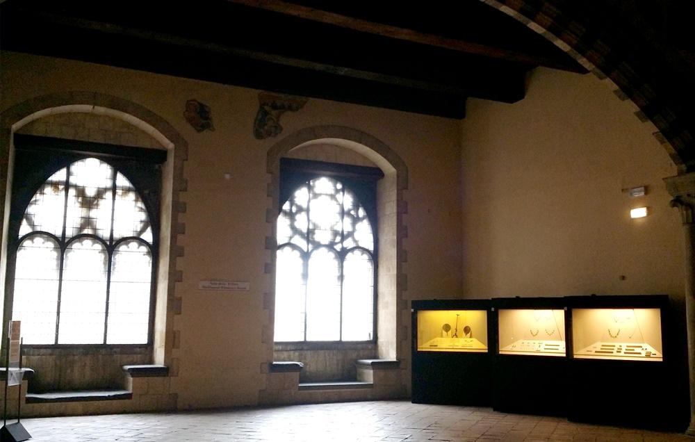タルクィニア考古学博物館の内部