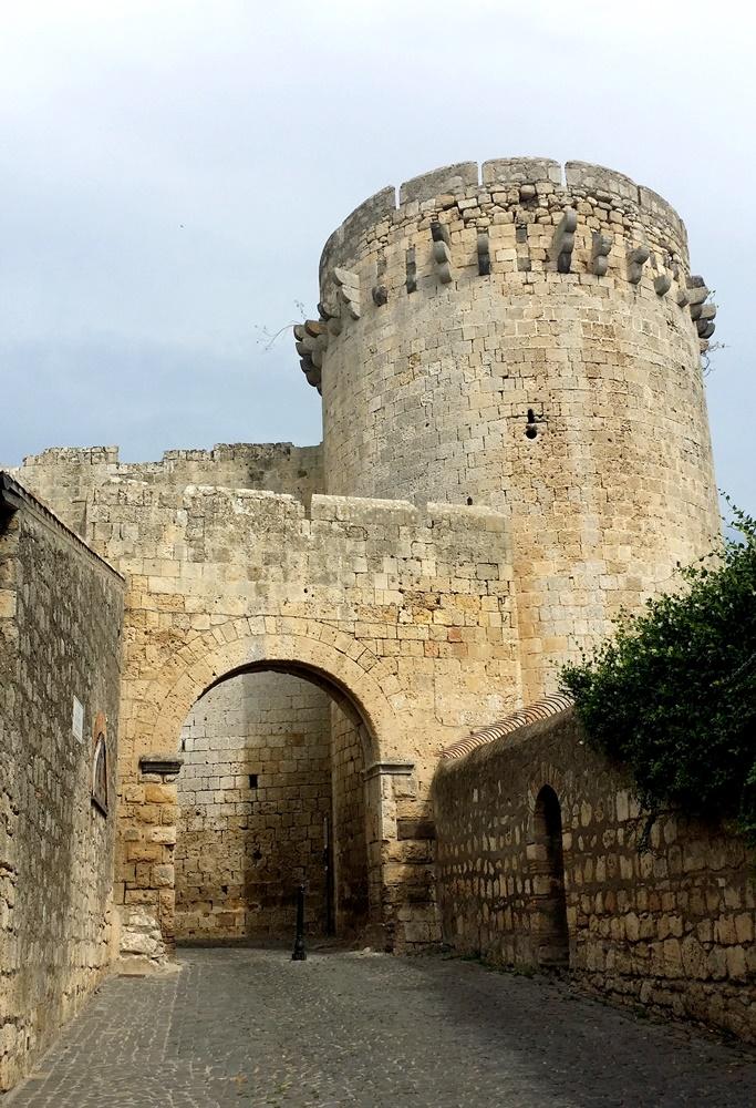 タルクィニアの城壁