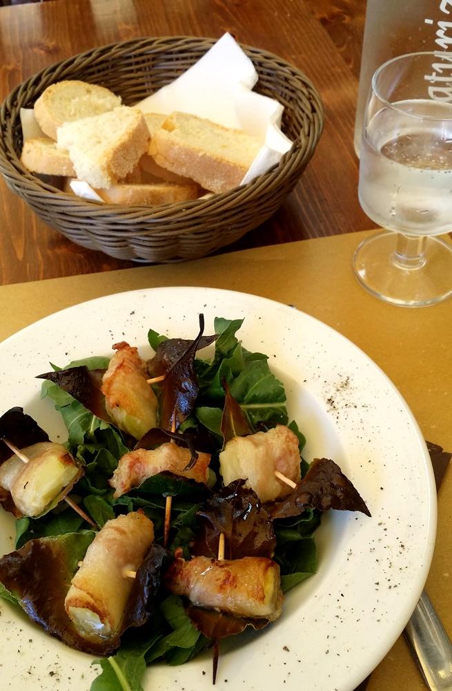 グアンチャーレとホロネギのサラダ
