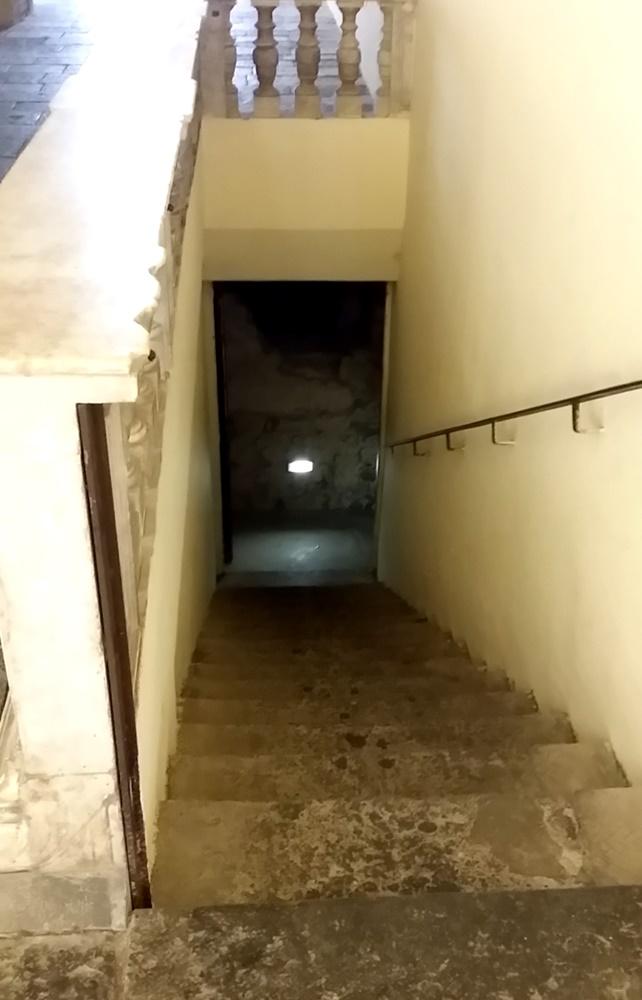 サン・ロレンツォ・マッジョーレ教会の地下