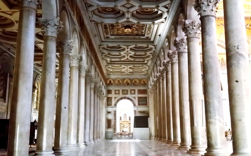 サン・パオロ・フォーリ・レ・ムーラ大聖堂