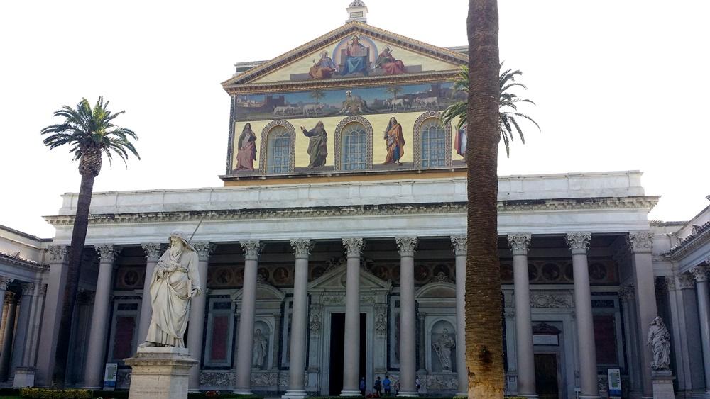 サン・パオロ・フォーリ・レ・ムーラ大聖堂ファサード