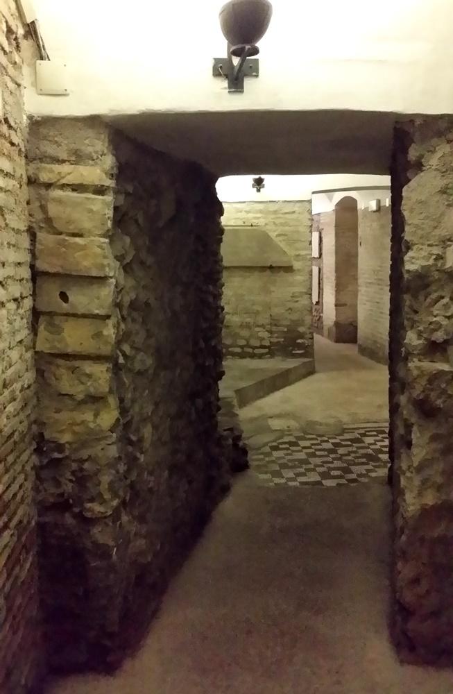 サンタ・チェチーリア・イン・トラステヴェレ教会地下遺構
