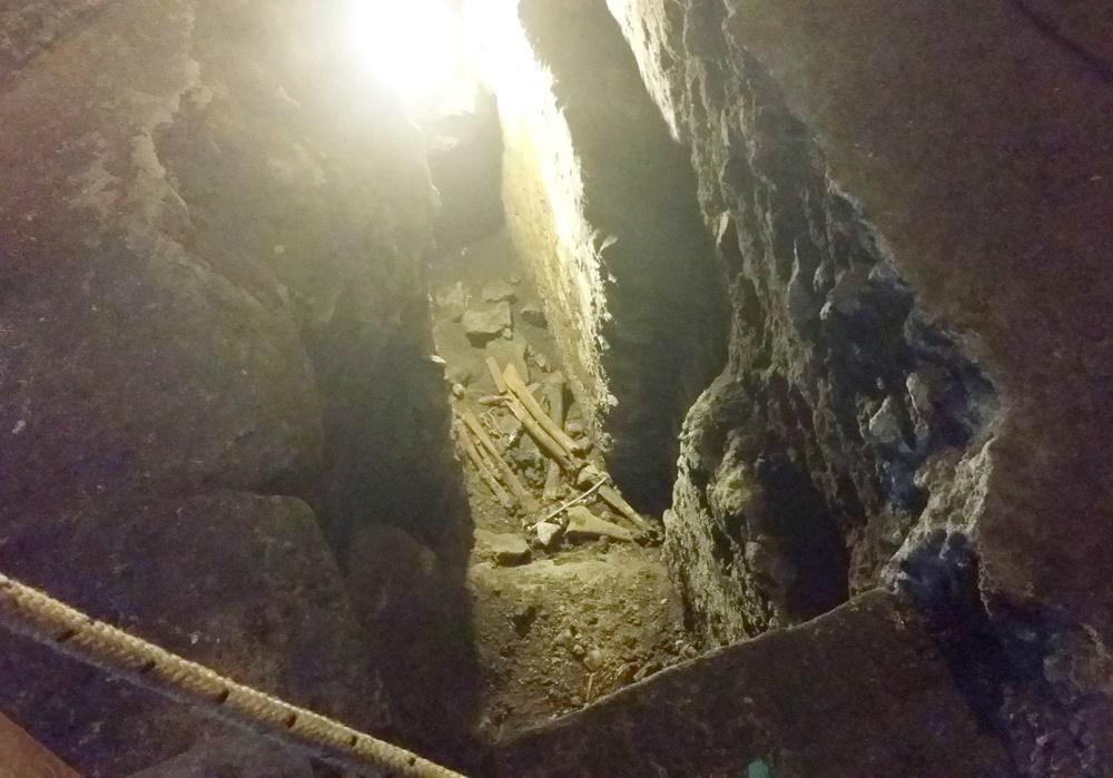 サン・ニコラ・エ・カルチェレ教会の地下遺構