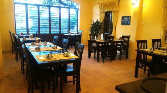 レストランホイアンダナン観光ベトナム料理