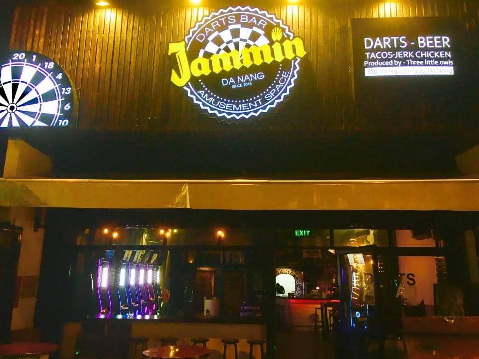 ダーツバーダナンJammin観光ハンバーグレストラン