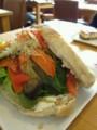 ブルーナハウスの前の通りの突き当たりのカフェで食べた野菜のグリル