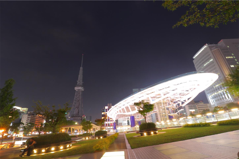 名古屋テレビ塔とオアシス21の風景