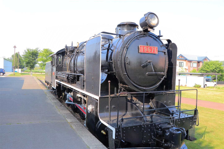 愛国駅の蒸気機関車-19671号