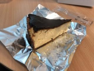 笄軒バスクチーズケーキ