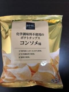化学調味料不使用のポテトチップス コンソメ味