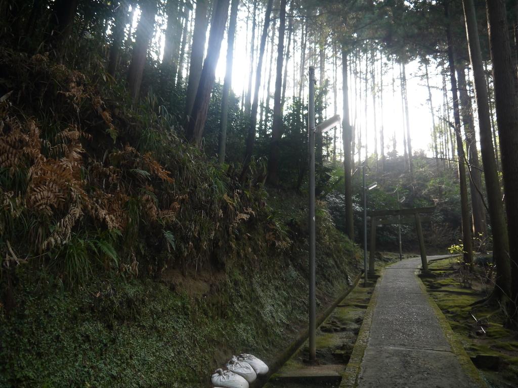 信貴山 劔鎧語法堂(けんがいごほうどう) 道のり