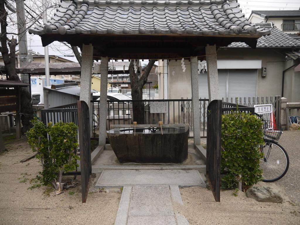 門真神社の手水舎