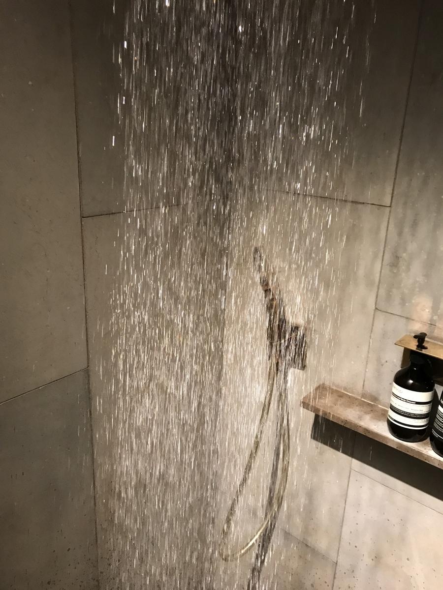 キャセイ シャワー