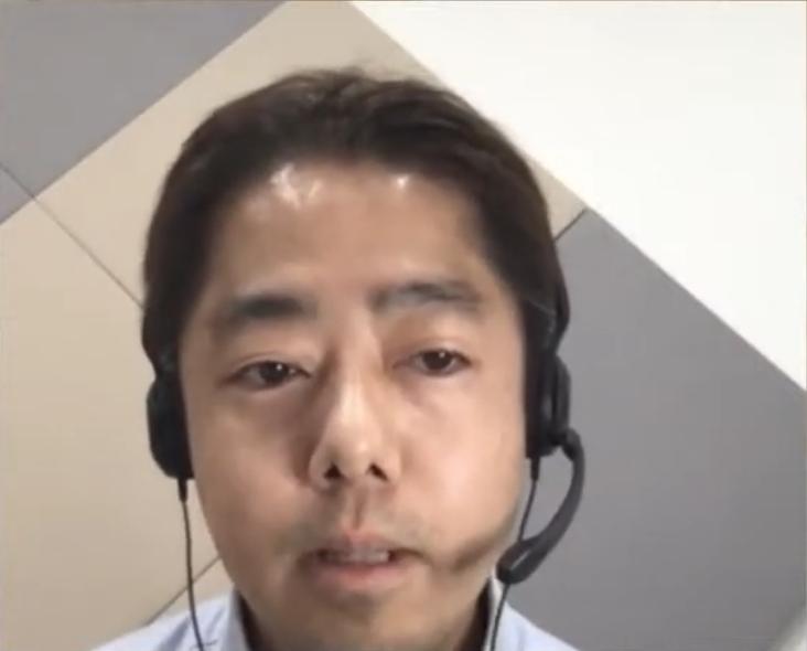 masakiさんが難しそうな顔をしていますが当日は楽しく話しました