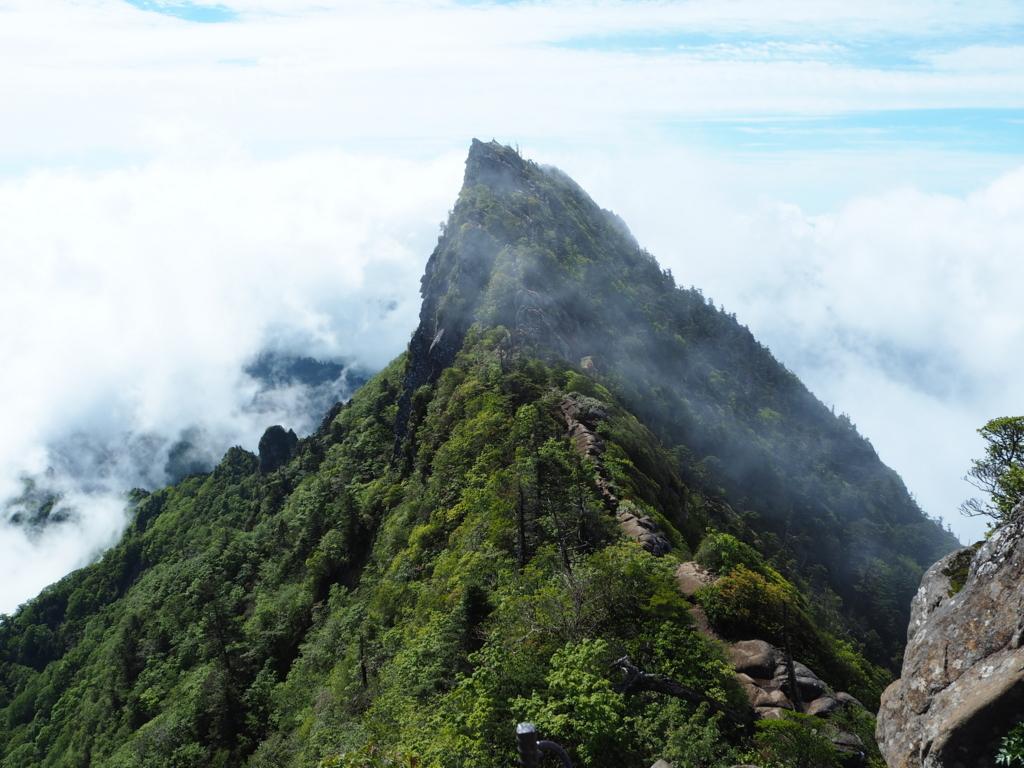 石鎚神社|神体山及び修験の山として歴史を歩んだ石鎚信仰とは ...
