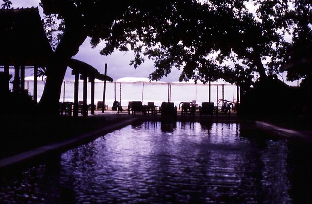 タンジュンサリのプール
