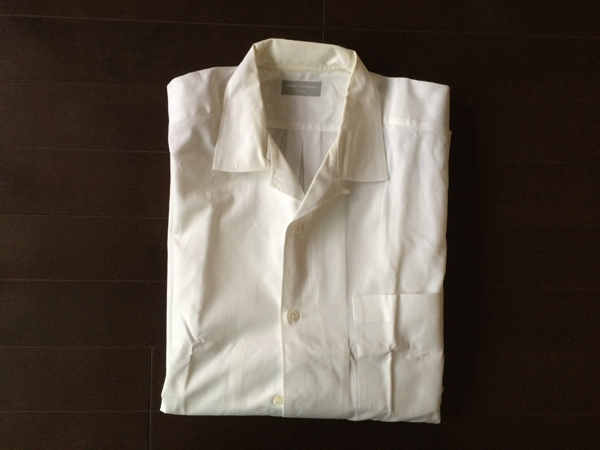 コムデ・ギャルソンの開襟シャツ