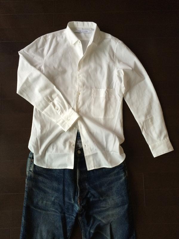 白シャツとヴィンテージタイプジーンズ