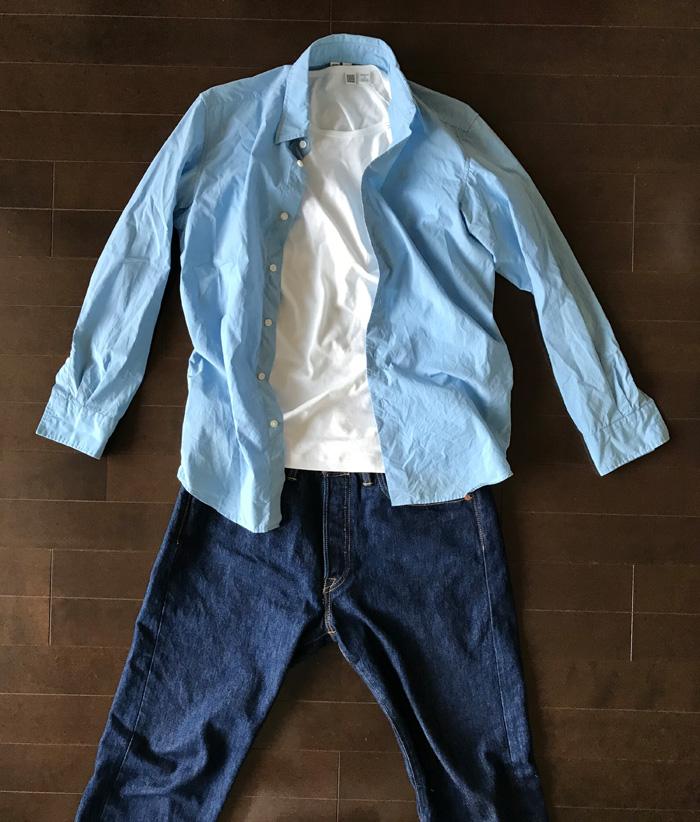 スーピマコットンクルーネック白Tシャツとシャツのコーデ