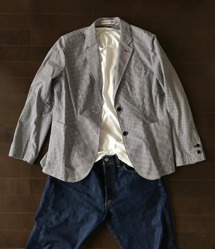 スーピマコットンクルーネック白Tシャツとイネスのジャケットのコーデ