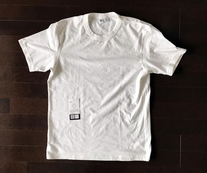 ユニクロユーのクルーネック白Tシャツ