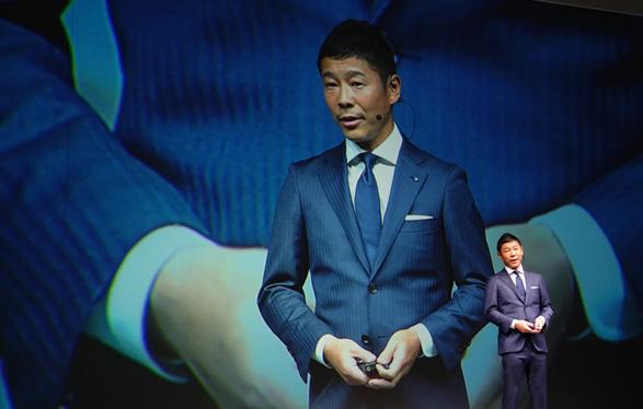 ZOZOの前澤社長が新作発表会で着用していたスーツ