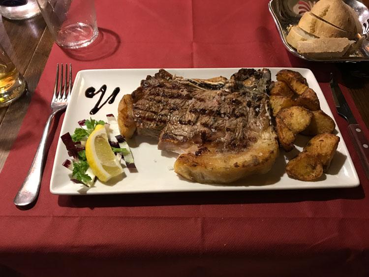 ビステッカ・アッラ・フィオレンティーナ定食 Tボーンのロース