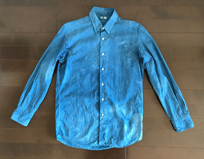 ユニクロユーのブロードシャツ2のインディゴ染 アフター