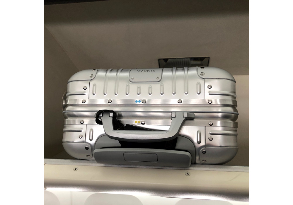リモワのスーツケース(機内持込みタイプ)4