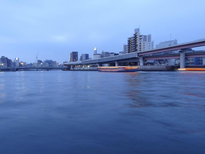 隅田川水面夕景