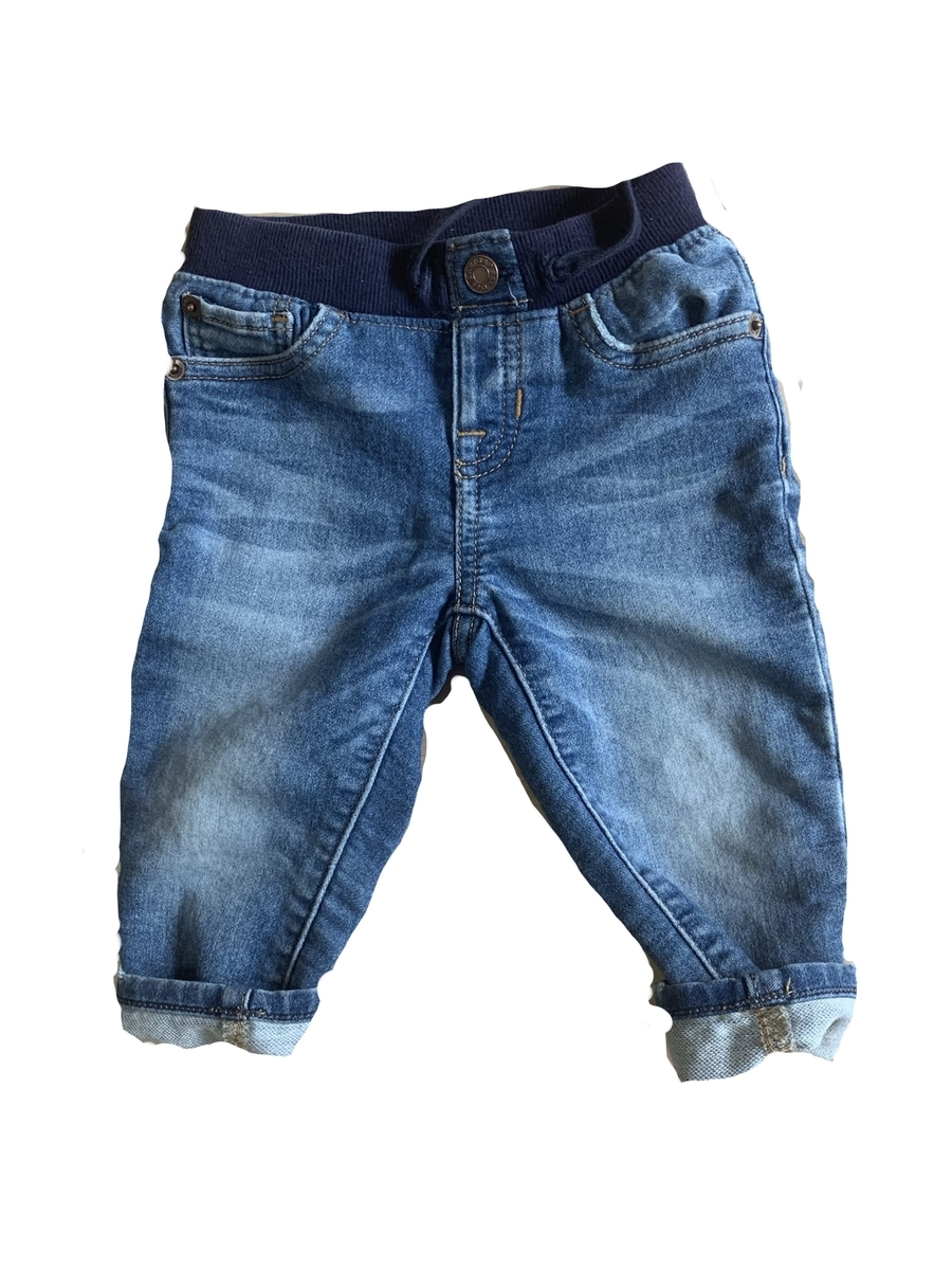 ベビーGAPのジーンズの写真