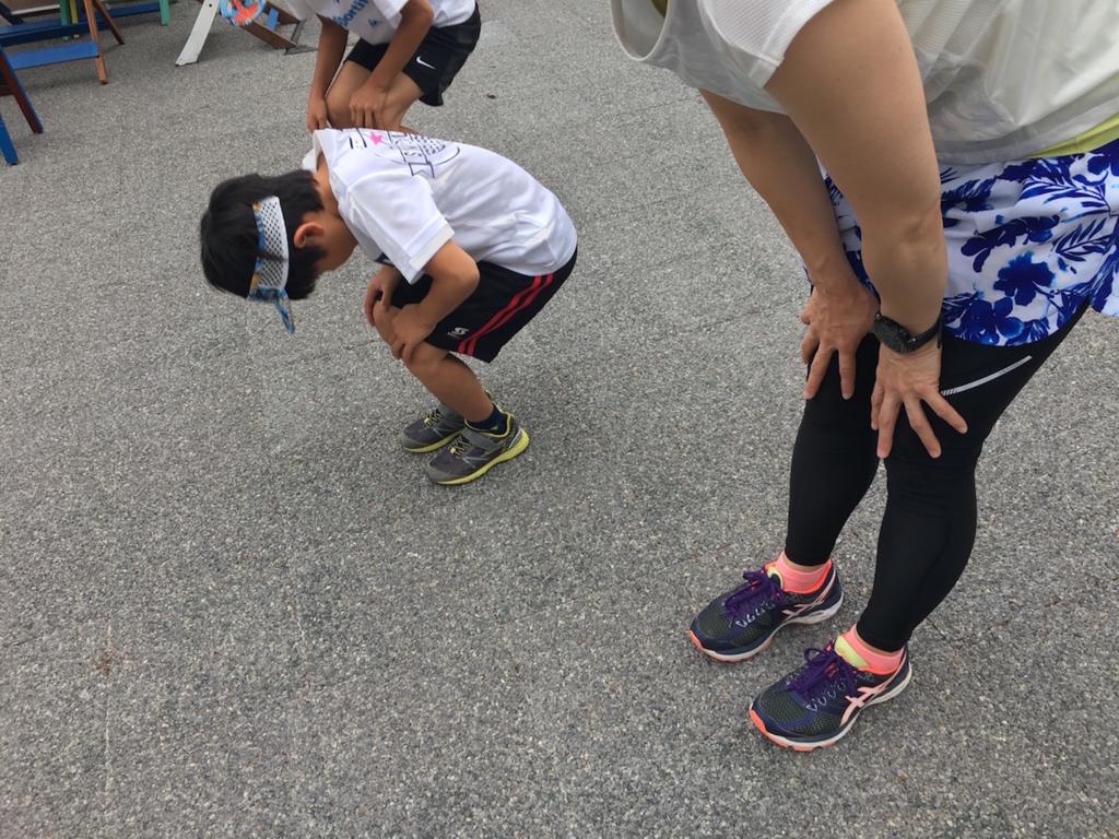 マラソンストレッチ:屈伸