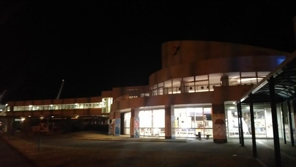 夜の福江港に到着2