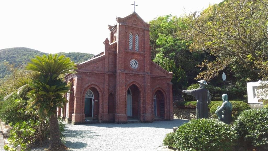 『堂崎天主堂』を正面から見た図